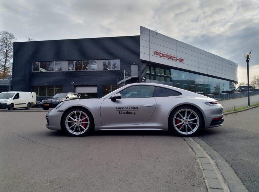 Lettrage véhicule et print pour Porsche Zenter Lëtzebuerg